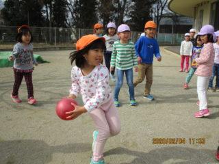 ドッチボール練習中です!!