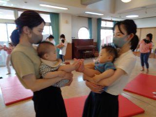親子育脳ヨガ(1歳児未満)